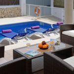 villa-mallorca-ma5665-gartenmobel-auf-der-terrasse