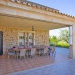 Ferienhaus Mallorca barrierefrei MA5320 Esstisch auf der Terrasse