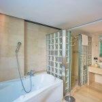 Villa Mallorca MA5004 Bad mit Wanne und Dusche