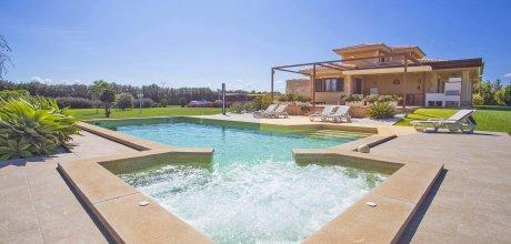 Mallorca Nordküste – Deluxe-Ferienhaus Muro 5090 mit beheizbarem Pool und Whirlpool, Grundstück 14.000qm, davon Garten 1.000qm, Wohnfläche 240qm. Wechseltag im Juli / August nur Samstag, Rest flexibel auf Anfrage – Mindestmietzeit 1 Woche.