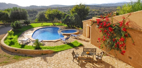 Mallorca Südostküste – Komfort – Ferienhaus Felanitx 4882 mit Pool & Kinderpool, Grundstück 3.700qm, Wohnfläche 180qm. Wechseltag flexibel – Mindestmietzeit 1 Woche.