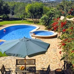 Finca Mallorca MA4882 Blick auf Pool und Garten
