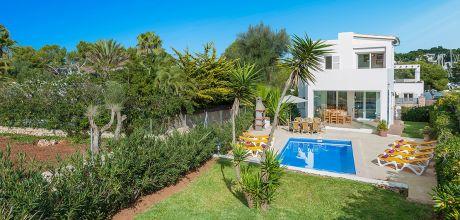 Mallorca Südostküste – Villa Cala D'Or 4843 mit Pool in Strandnähe für 8 Personen. Wechseltag Samstag, Nebensaison flexibel auf Anfrage. 2019 buchbar.