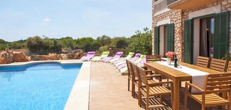 Mallorca Südostküste – Komfort-Ferienhaus Porto Petro 4783 mit Pool, Grundstück 8.000qm, Wohnfläche 200qm. Wechseltag Samstag vom 27.06. – 29.08.20, sonst flexibel – Mindestmietzeit 1 Woche.