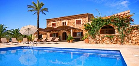 Mallorca Südostküste – Komfort Ferienhaus Campos 4030 mit Pool, Grundstück 35.000qm, Wohnfläche ca. 200qm. Wechseltag flexibel – Mindestmietzeit 1 Woche.