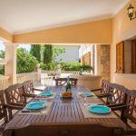 Ferienhaus Mallorca MA4149 Esstisch auf der Terrasse
