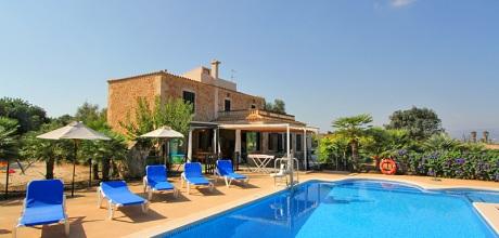 Mallorca Nordküste – Behindertengerechtes Ferienhaus Picafort 4580 mit Pool, Grundstück 3.500, Wohnfläche 220qm, Strand 3 km, Wechseltag flexibel – Mindestmietzeit 1 Woche.