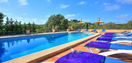 Mallorca Südostküste – Deluxe Finca Alqueria Blanca 4680 mit Pool und herrlichem Panoramablick auf großem Grundstück, Strand ca. 6km. Vom 29.06. – 31.08.19, Wechseltag Samstag, sonst flexibel – Mindestmietzeit 1 Woche.