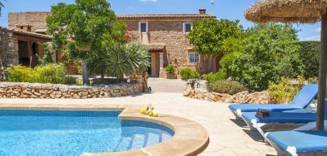 Mallorca Südostküste – Komfort Finca Cala Dor 4784 mit Pool, Grundstück 16.000qm, Wohnfläche 190qm. Wechseltag flexibel – Mindestmietzeit 1 Woche.