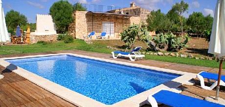 Mallorca Ostküste – Finca Portocristo 4055 mit Pool, Grundstück 14.200qm, Wohnfläche 210qm. Wechseltag flexibel – Mindestmietzeit 1 Woche.
