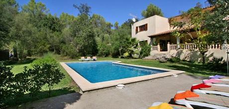 Mallorca Nordküste – Ferienhaus Pollensa 4430 mit Pool und Internet für 8 Personen. Wechseltag Samstag, Nebensaison flexibel – Mindestmietzeit 1 Woche.
