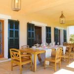 Mallorca Luxus-Ferienhaus MA4660 überdachte Terrasse (2)