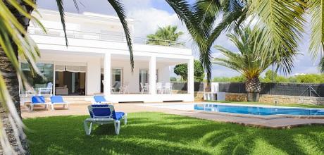 Mallorca Südostküste – Villa Cala d'Or 4655 mit Pool in Strandnähe (500m), Grundstück 1.050qm, Wohnfläche 260qm. Wechseltag Samstag – 2017 jetzt buchen!