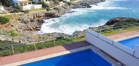 Mallorca Südostküste – Komfort Villa Cala d'Or 4785 mit Pool direkt am Meer, Grundstück 700qm, Wohnfläche 200qm. Wechseltag flexibel – Mindestmietzeit 1 Woche.