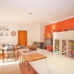 Villa Mallorca 4804 - Küche mit Insel und Esstisch