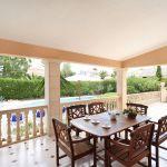 villa-mallorca-ma4149-esstisch-auf-der-terrasse