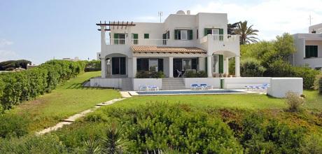 Mallorca Südostküste – Komfort Villa Cala D'Or 4821 mit Pool und Internet direkt am Meer mieten. Wechseltag Samstag – Mindestmietzeit 1 Woche.