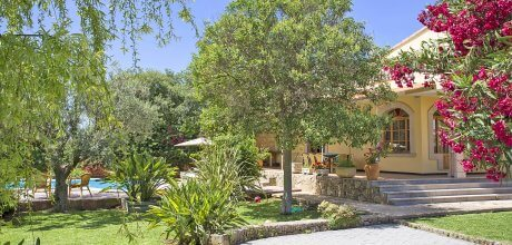 Mallorca Nordküste – Ferienhaus Alcudia 4166 mit großem Pool, Grundstück 2.000qm, Wohnfläche 255qm. Wechseltag flexibel – Mindestmietzeit 1 Woche.