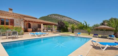 Mallorca Nordküste – Ferienhaus Pollensa 4351 mit Pool und beheizbarem Garten-Whirlpool, Grundstück 4.000qm, Wohnfläche 180qm. Wechseltag flexibel auf Anfrage.