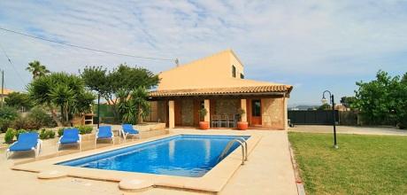 Mallorca Nordküste – Komfort Ferienhaus Picafort 4025 mit Pool, Grundstück 1.200qm, Wohnfläche 150qm, Strand 2km. Wechseltag flexibel – Mindestmietzeit 1 Woche. – 2018 jetzt buchen!
