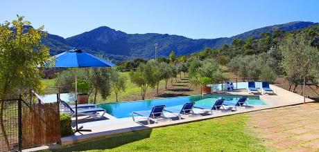 Mallorca Nordküste: Luxus-Villa Pollensa MA4292 mit Pool und herrlichem Panoramablick, Grundstück 8.500qm, Wohnfläche 320qm. An- und Abreisetag nur Samstag.