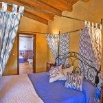 Finca Mallorca MA4170 Bett im Schlafraum