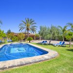 Finca Mallorca MA4170 Rasen um den Pool