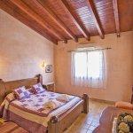 Finca Mallorca MA4170 Schlafzimmer mit Doppelbett