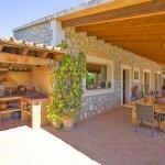Finca Mallorca MA4170 Terrasse mit Grillbereich