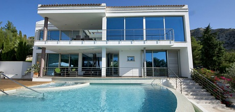 Mallorca Nordküste – Deluxe-Villa Alcudia 4075 mit Pool und Whirlpool, Grundstück 1.050qm, Wohnfläche 400qm, Strand 2km. Wechseltag flexibel – Mindestmietzeit 1 Woche. – 2018 buchbar!