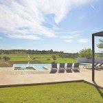 Villa Mallorca MA4167 Rasenfläche um den Pool