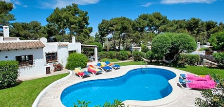 Mallorca Südostküste – Komfort Ferienhaus Cala D'Or 3990 mit Pool in Strandnähe (ca. 150m). An- und Abreisetag Samstag.