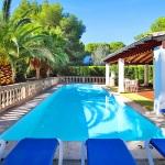 Ferienhaus Mallorca 3880 Pool mit Liegen