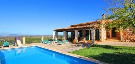 Mallorca Südostküste – Komfort Ferienhaus Felanitx 3016 mit Pool und Panoramablick, Grundstück 15.000qm, Wohnfläche 140qm. Wechseltag Samstag, Nebensaison flexibel – Mindestmietzeit 1 Woche.