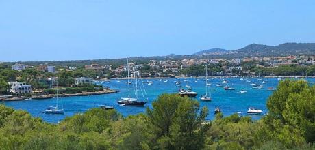 Mallorca Südostküste – Deluxe Ferienhaus Porto Colom 3282 mit Pool für 5 Personen in Strandnähe (ca. 125m). An- und Abreisetag Samstag.