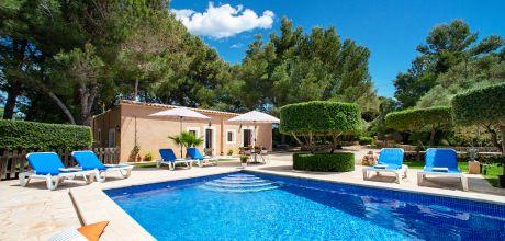 Mallorca Südostküste – Ferienhaus Cala Sanau 3879 mit Pool in Strandnähe (400m), Grundstück 4.500qm, Wohnfläche 120qm. Wechseltag Samstag – Mindestmietzeit 1 Woche.