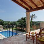 ferienhaus-mallorca-ma3941-balkon-mit-blick-auf-den-pool