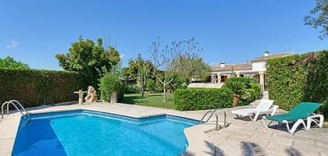 Mallorca Nordküste – Ferienhaus Alcudia 3565 für 6 Personen mit Pool in Strandnähe (800m) mieten. Wechseltag Samstag, Nebensaison flexibel auf Anfrage.