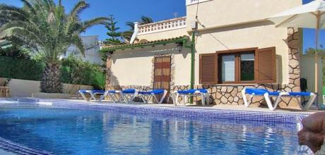 Mallorca Nordküste – Rollstuhlgerechtes Ferienhaus Son Serra 3610 mit Pool in Strandnähe (300m), Grundstück 618qm, Wohnfläche 110qm. Wechseltag flexibel – Mindestmietzeit 1 Woche