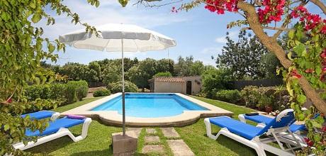 Mallorca Nordküste – Ferienhaus Pollensa 3728 mit Pool für 5 Personen, Strand 4km, Grundstück 4.000qm, Wohnfläche 95qm. Wechseltag flexibel – Mindestmietzeit 1 Woche.