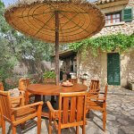 Finca Mallorca MA3530 Gartenmöbel auf der Terrasse