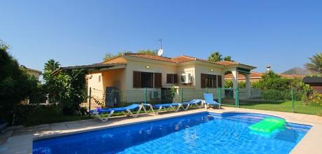 Mallorca Nordküste – Ferienhaus Playa de Muro 3187 in Strandnähe (700m) mit Pool (mit Kinderbereich), Grundstück 500qm, Wohnfläche 105qm. Wechseltag flexibel – Mindestmietzeit 1 Woche