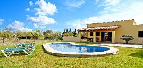 Mallorca Nordküste – Ferienhaus Pollensa 3381 mit Pool für 6 Personen, Grundstück 10.000qm, Wohnfläche 130qm. Wechseltag Samstag, Nebensaison flexibel auf Anfrage – Mindestmietzeit 1 Woche.