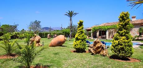 Mallorca Nordküste – Komfort Ferienhaus Pollensa 3400 für 6 Personen mit Pool, Grundstück 5.500qm, Wohnfläche 126qm. Wechseltag Samstag, Vorsaison flexibel – Mindestmietzeit 1 Woche.