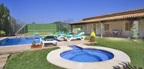 Mallorca Nordküste – Ferienhaus Pollensa 3490 mit Tennisplatz, Pool und Whirlpool mieten, Strand 3,8km. Wechseltag vom 30.06. – 25.08. ist Samstag, Rest flexibel, 2018 buchbar.