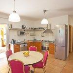 Ferienhaus Mallorca MA3065 Esstisch in der Küche