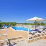 Ferienhaus Mallorca MA3065 Poolterrasse mit Sonnenschirm