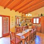 Ferienhaus Mallorca MA3069 Küche mit Esstisch