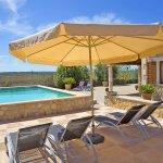 Ferienhaus Mallorca MA3069 Sonnenliegen am Pool