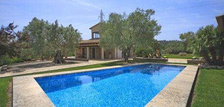 Mallorca Nordküste – Ferienhaus Pollensa 3160 mit Pool und Internet für 6 Personen mieten. An- und Abreisetag Samstag.